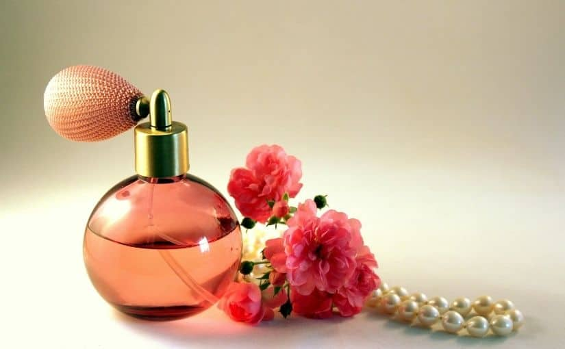 cadouri de graciun pentru mama parfum